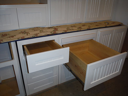 CUSTOM CABINETS WITH DRAWERS